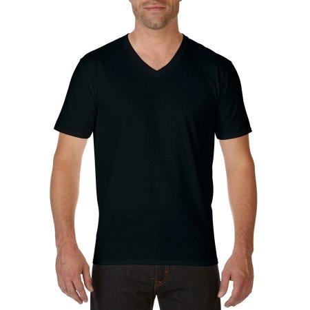 Premium Cotton® V-Neck T-Shirt in Black von Gildan (Artnum: G41V00