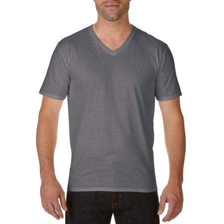 Premium Cotton® V-Neck T-Shirt in Charcoal (Solid) von Gildan (Artnum: G41V00