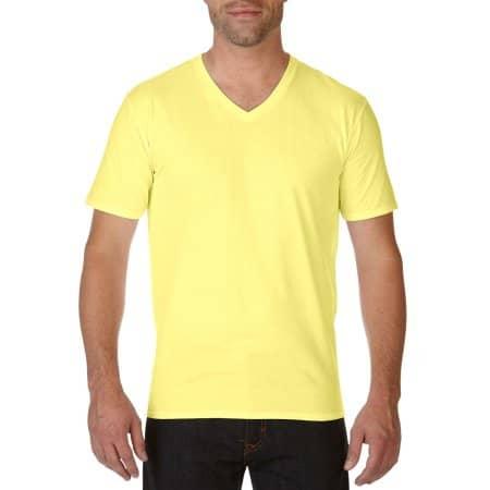 Premium Cotton® V-Neck T-Shirt in Cornsilk von Gildan (Artnum: G41V00