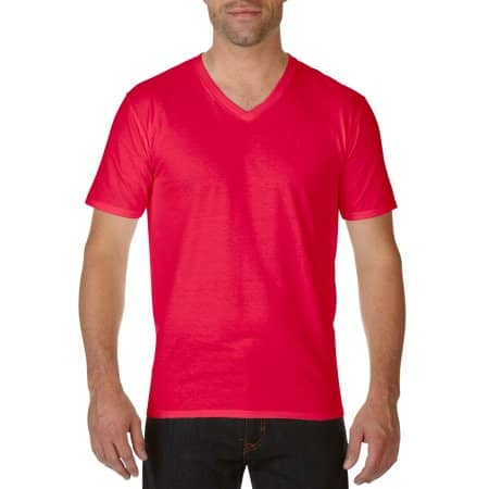 Premium Cotton® V-Neck T-Shirt in Red von Gildan (Artnum: G41V00