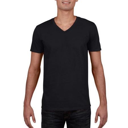Softstyle® V-Neck T-Shirt in Black von Gildan (Artnum: G64V00