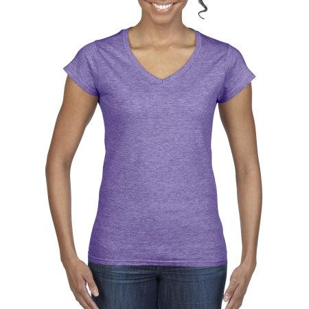 Softstyle® Ladies` V-Neck T-Shirt in Heather Purple von Gildan (Artnum: G64V00L